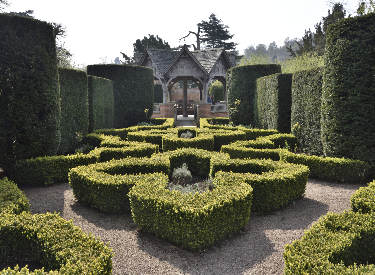 Formal Gardens, laid out with box hedging